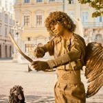 """Живая статуя """"Амур"""" в золоте"""