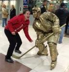 живая статуя хоккеист, живая скульптура Хоккеист