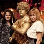 Живая статуя Амур фото