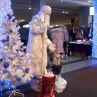 Живая статуя Дед Мороз